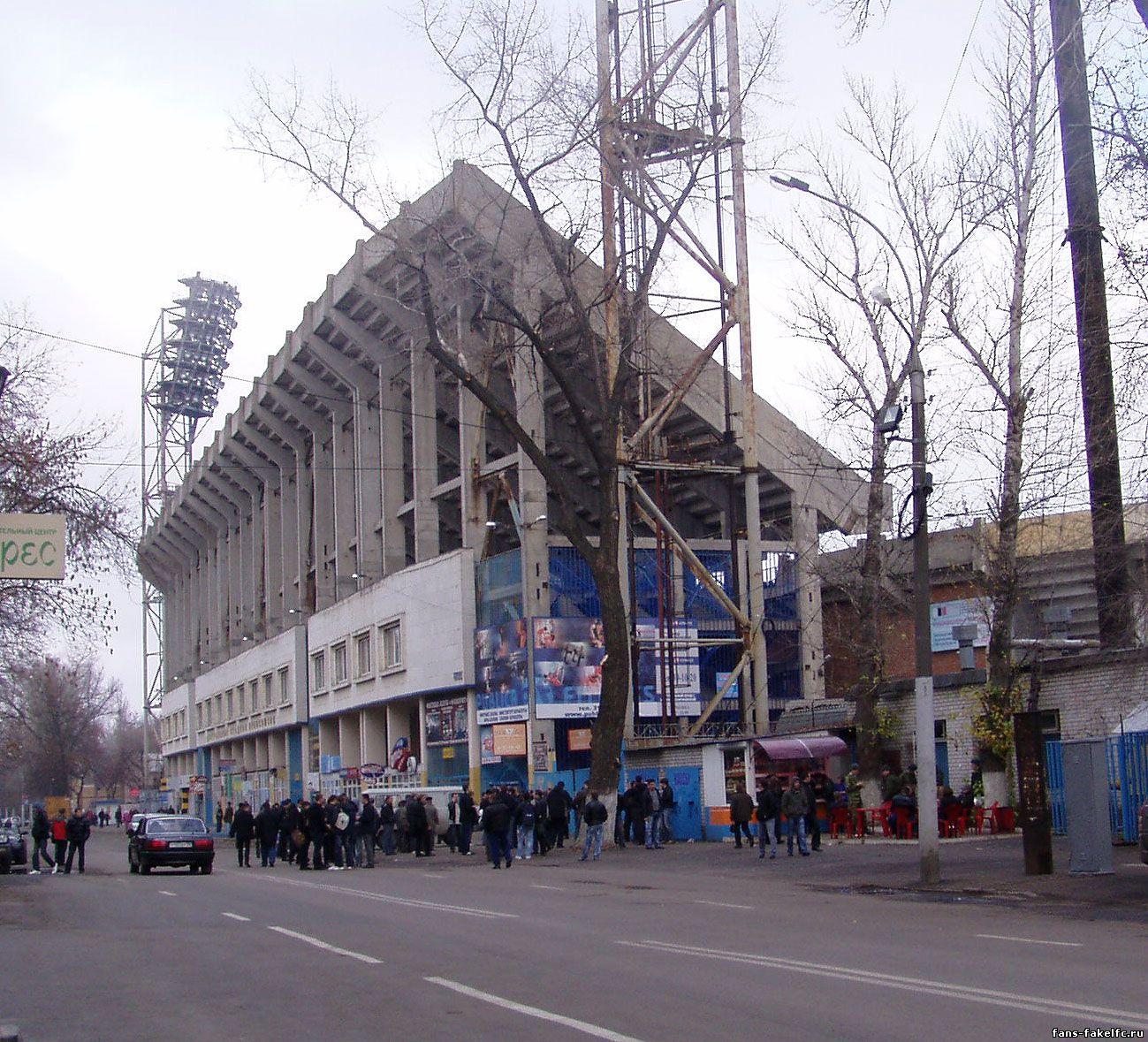 У касс воронежского стадиона